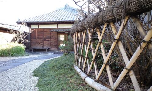 一茶双樹記念館(一茶庵)