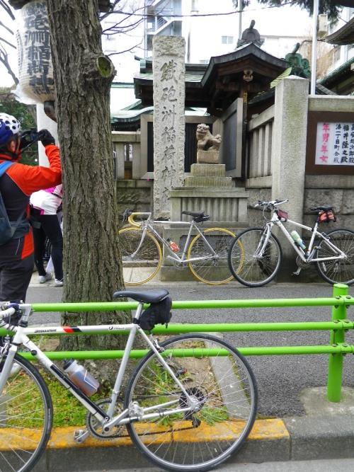 鉄砲洲神社と自転車