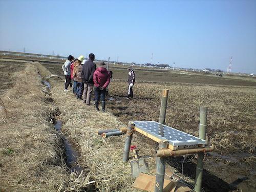新川耕地で井戸掘り